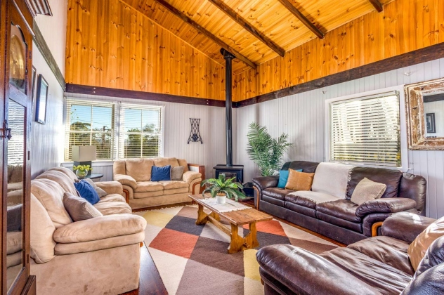 Kurrajong-Barn-The-Big-Lounge